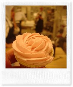 Hallon-cupcakes
