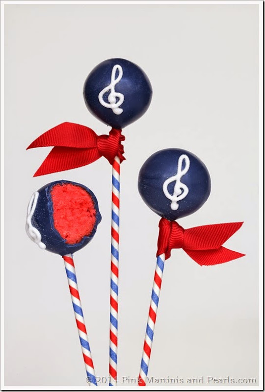 Music Cake Pops bite-1