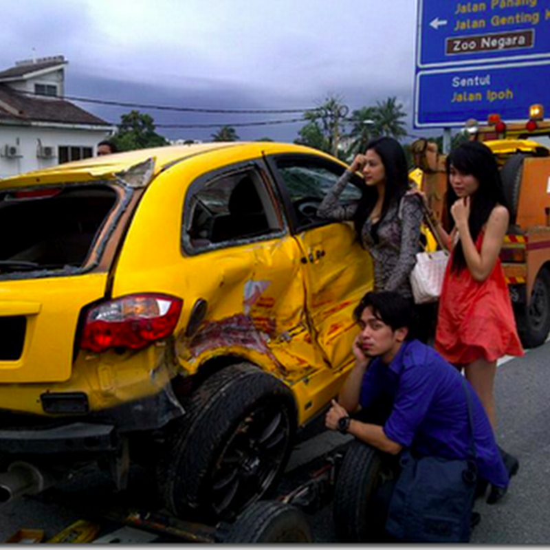 Kereta Iqram Dinzly mengalami kemalangan ..