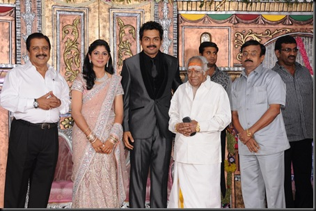 karthi ranjini wedding reception stills4