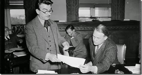 Girolamo Valenti, a sinistra, con un funzionario dei servizi sergreti americani