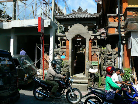 What to do in Bali: visit a temple