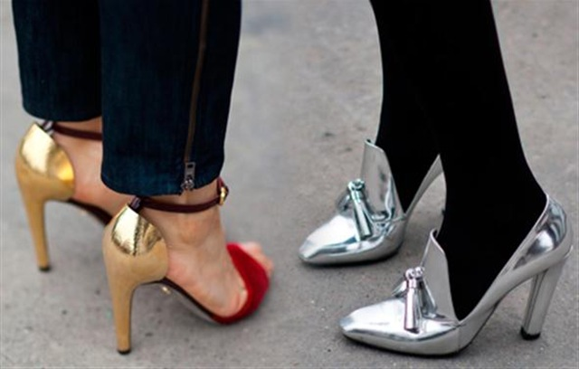 stockholm-street-style-shopping-list-metallic-shoes_h