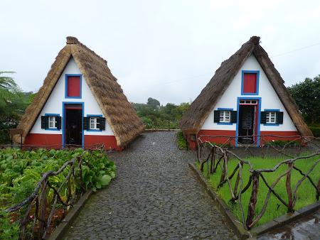 Obiective turistice Madeira: case traditionale Santana