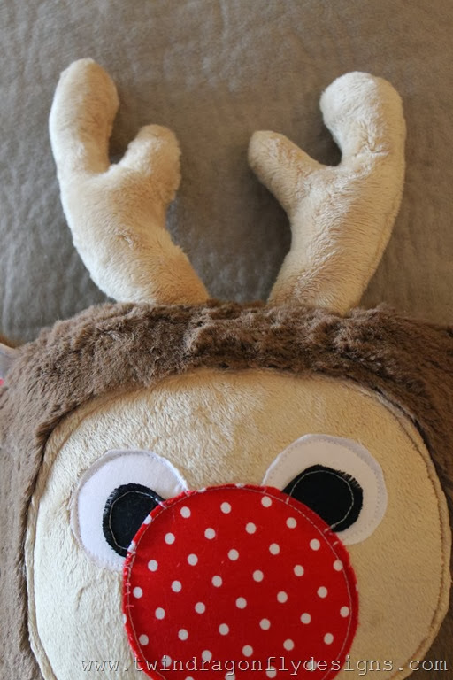 Holiday Plush Reindeer (18)