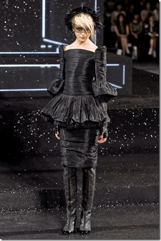 Chanel Fall 2011 (nay) 11