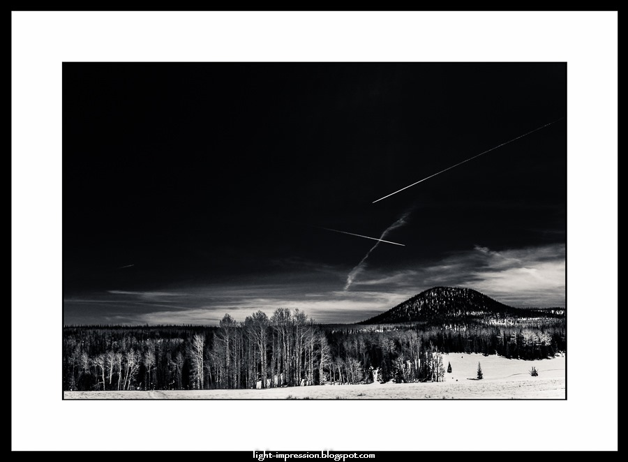 Light Impressions-Contrails