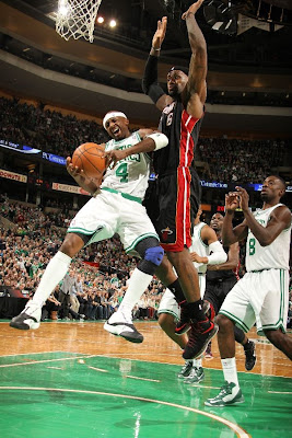 lebron james nba 130127 mia at bos 14 Boston Outlasts Miami in 2nd OT. LeBron Debuts Suede X PE!