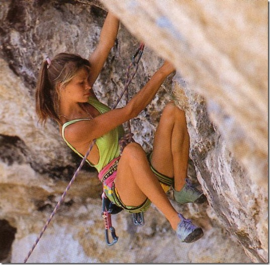 girls-rock-climbing-18