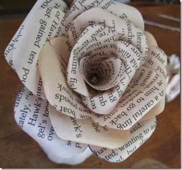 lazos y flores con papel periodico (2)