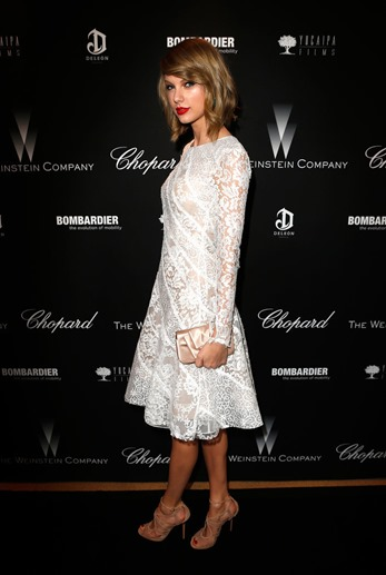 Taylor-Swift-looked-elegant-white-lace