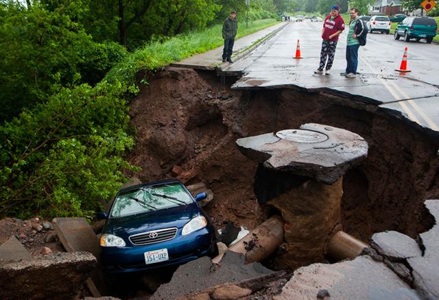 Sinkhole caused by record flooding in Duluth, Minnesota, 21 June 2012. Derek Montgomery / MPR