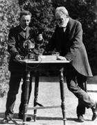 Julius Elsther et Hans Geitel