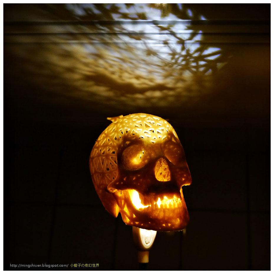 2014Halloween-skull-lamps06.jpg