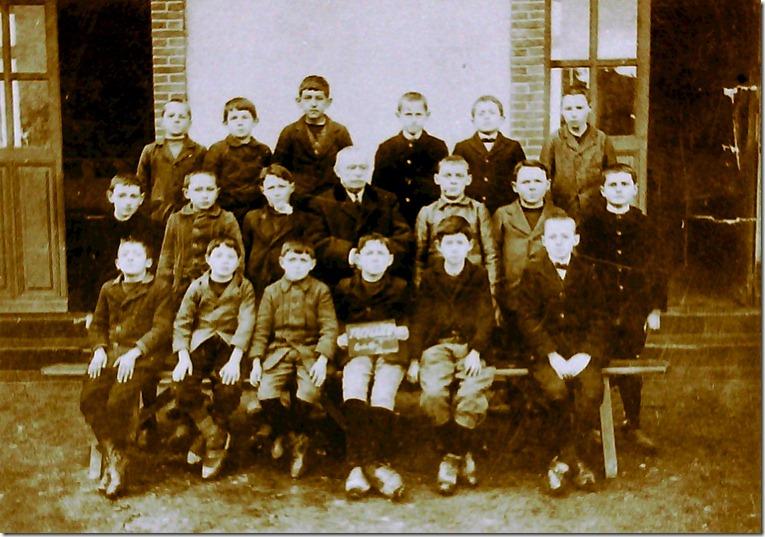 1917-1918 classe garçons certicat études avec Mr Bourgeois