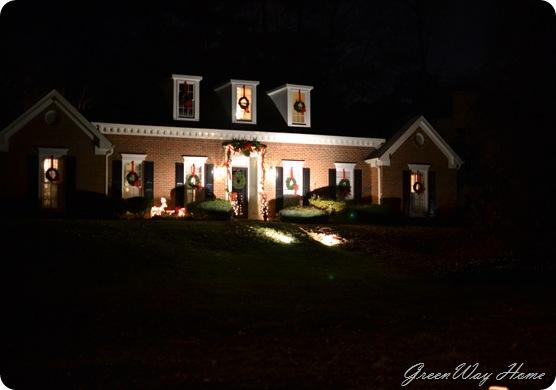 more decorating and luminaras 071