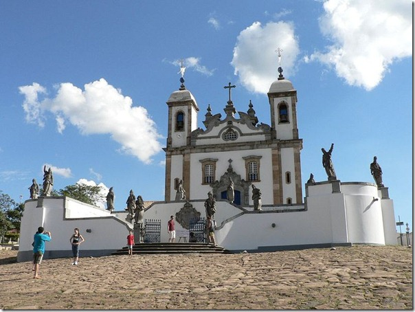 800px-Sanctuary_of_Bom_Jesus_do_Congonhas