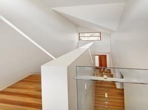 Diseño escaleras en madera natural