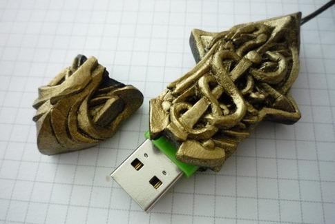 8. Amuleto USB