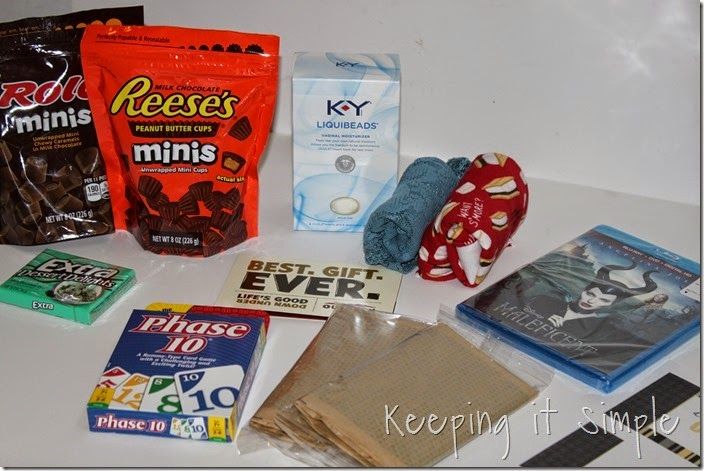 #ad Date-night-basket-with-coupon-book #TheMoodStirkes (5)