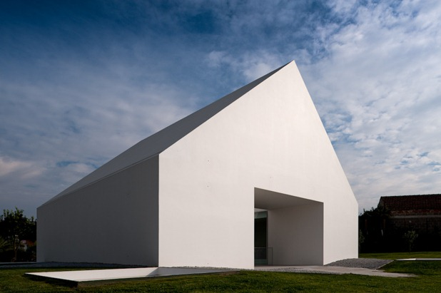house in leiria by aires mateus 9