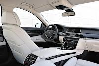 2013-BMW-7-Series-34.jpg