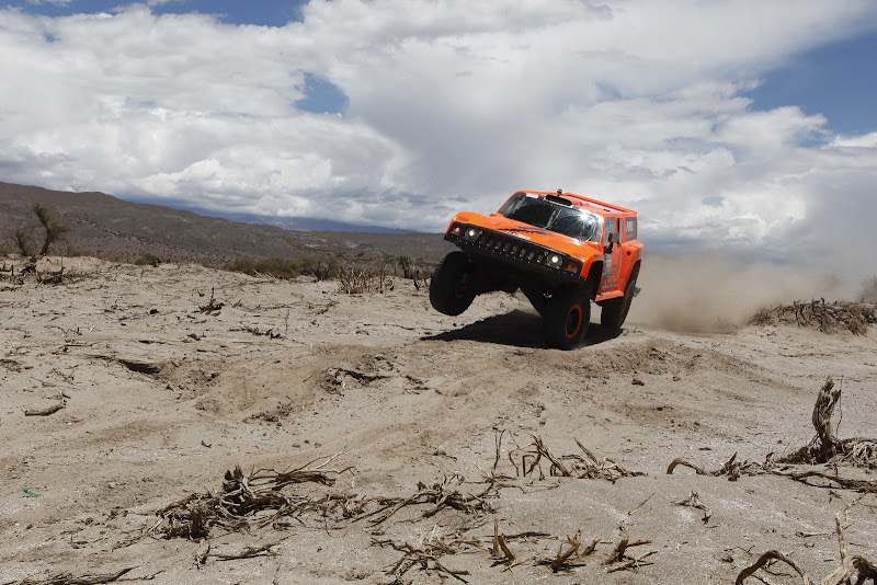 Hummer's driver Robby Gordon and co-driver Johnny Campbell, both from the US, compete in the fifth stage of the 2012 Argentina-Chile-Peru Dakar Rally between Chilecito and Fiambala in Argentina, Thursday, Jan. 5, 2012. (AP Photo/Jacky Naegelen, pool)