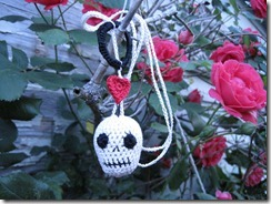 skull necklace 3