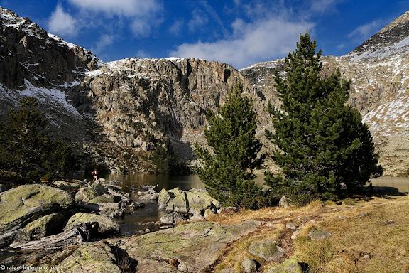 L'estany Redo.Parc Nacional d'Aigues Tortes i Estany de Sant Maurici.La Vall de Boi, Alta Ribagorca, Lleida