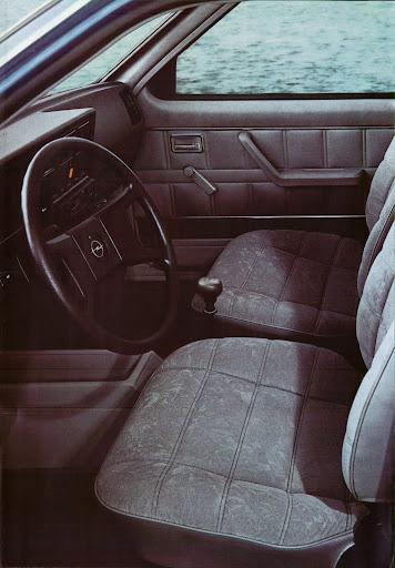 Opel_Kadett_1984 (6).jpg