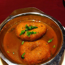Vadai Curry