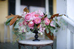 A beautiful arrangement was placed on the inn's porch.