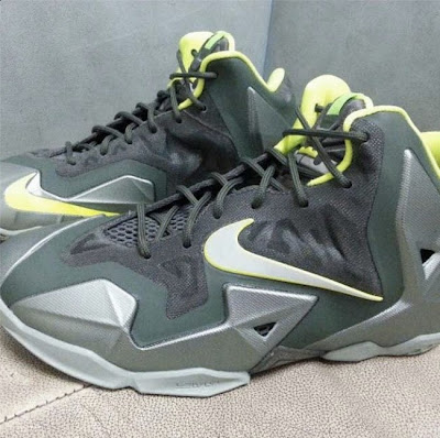 nike lebron 11 gs dunkman 2 05 First Look at Nike LeBron XI Dunkman in Kids Version