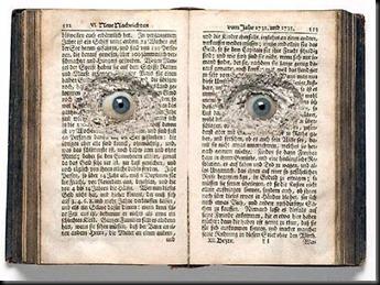 libro con ojos