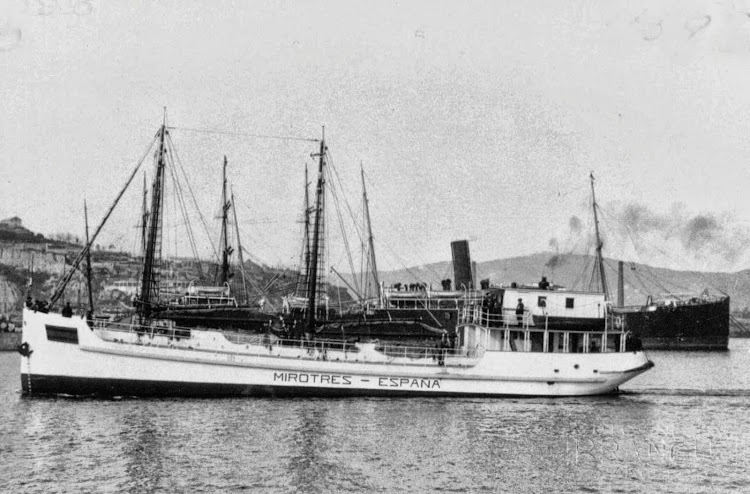 El MIROTRES navegando en el interior del puerto de Barcelona. Foto Museu Maritim de Barcelona.jpg
