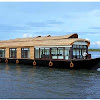 Luxury Houseboat 2