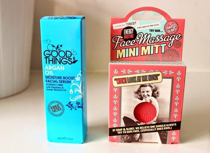 Argan Oil Moisture Boost Facial Serum  soap and glory mini mitt