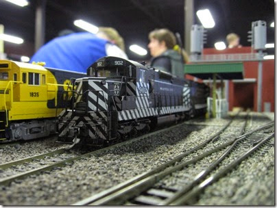 IMG_5415 Atchison, Topeka & Santa Fe SD24 #902 on the LK&R HO-Scale Layout at the WGH Show in Portland, OR on February 17, 2007