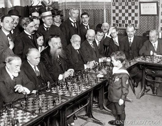 samuel-reshevsky-chess_thumb[10]
