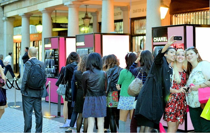 Chanel-vending-machine loja