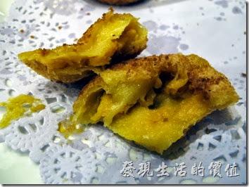 上海-寶島曼波。南瓜餅。外皮像麻糬,裡頭包南瓜。