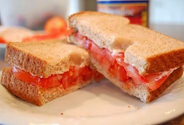 tomato-sandwich-done-1024x680