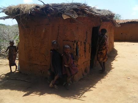 Imagini Kenya: Sat Masai
