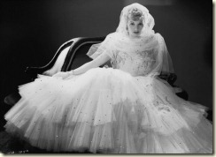 ilovelucy_weddinggown