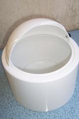 Nicholas Angelakos ice bucket, white