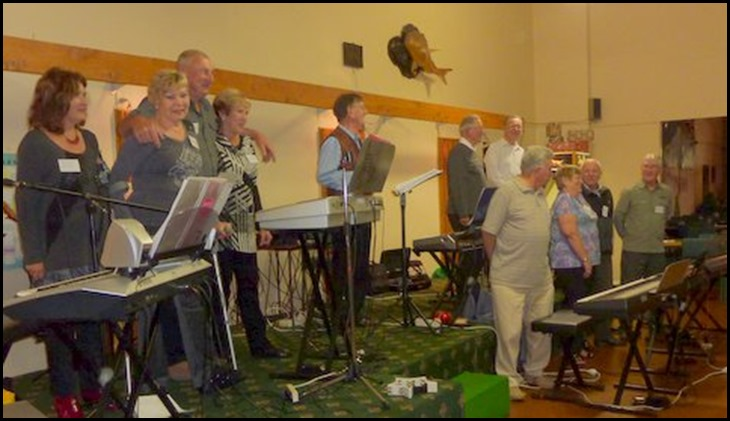 The Playing Team lined-up after the Raglan Club Concert on Saturday evening, 18th May 2013. Left to Right: Janice, Carole Littlejohn, Kevin Johnston, Jan Johnston, Len Hancy, Peter Brophy, Roy Steen, Jim Nicholson, Barbara McNab, Rob Powell, Gordon Sutherland. Photo courtesy of Colleen Kerr.