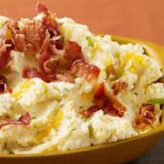 Kicked Up Bacon Cheese Mashed Potatoes