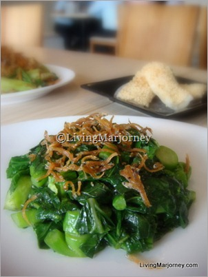 Stir-fried Minced Kai Lan with Silver Fish (P220)