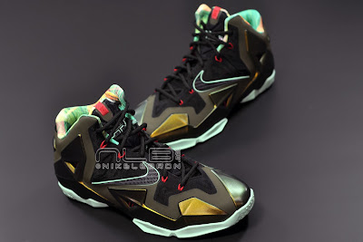 lebron11 king of the jungle 14 web dark LEBRON 11 Breakdown: Yes, its True to Size & Yes, its the Lightest LBJ Sig!