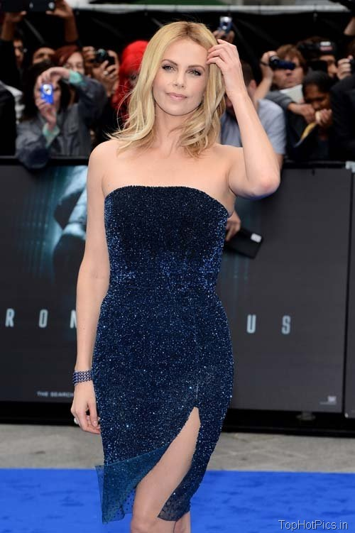 Charlize Theron Sexy Photos in Stylish Blue Dress 7
